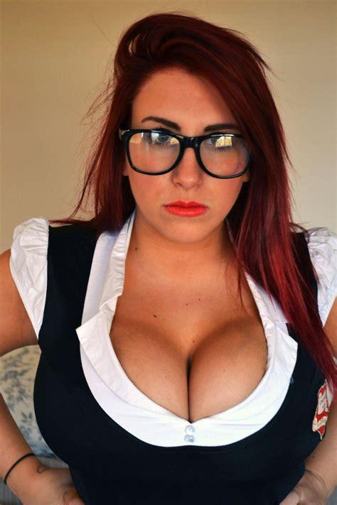 glasses curvy nude